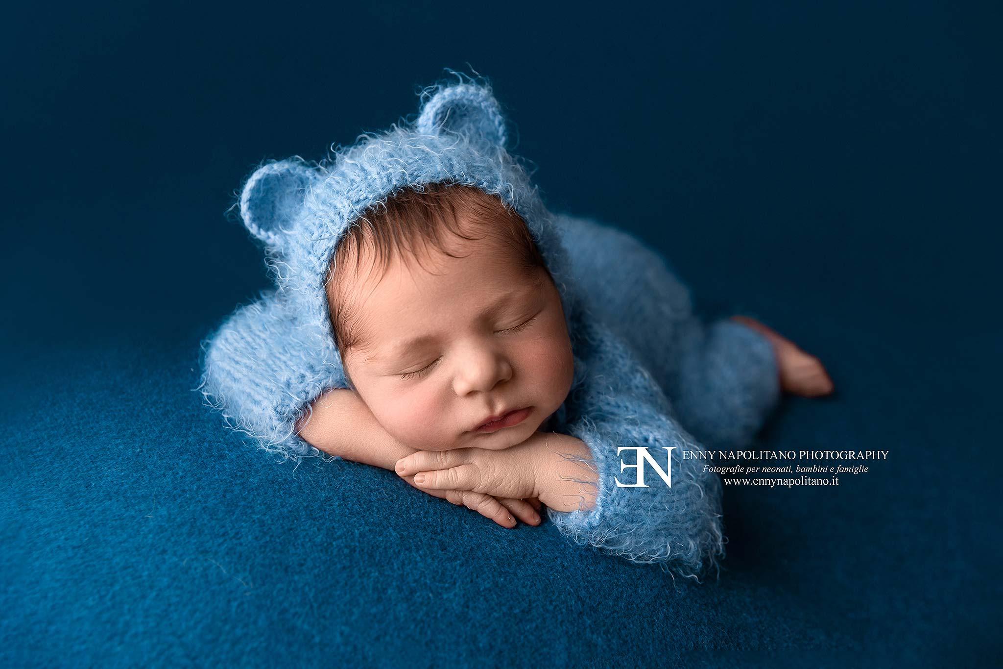 Fotografo di neonati newborn di bambini Milano, Pavia, Monza, Bergamo, Varese