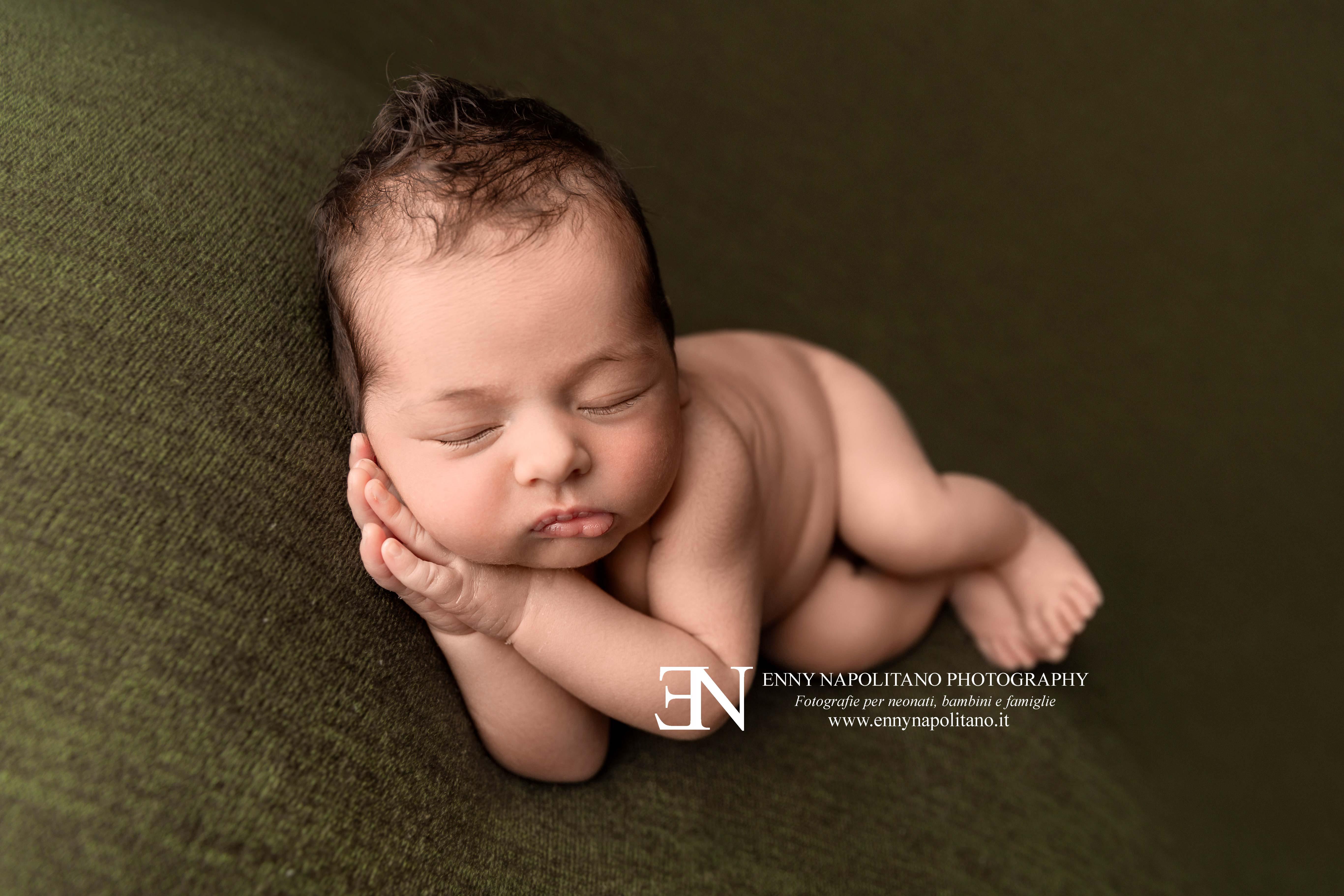Migliore fotografo newborn neonati bambini Milano, Pavia, Monza, Bergamo, Varese
